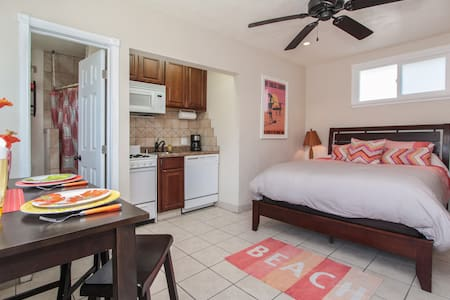 Newly Remodeled Studio Unit steps from the sand! - Oceanside