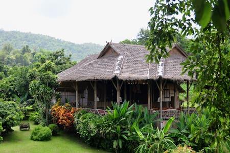 Lisu Lodge, Mae Tang Chiangmai - Villa