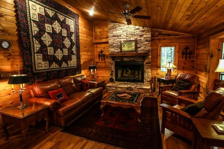Rustic Log Cabin near Boone to enjoy the mountains - Sugar Grove - Zomerhuis/Cottage