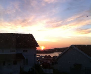 Parhus med fantastisk havsutsikt - Väjern - Reihenhaus