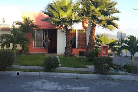 Casa condominio horizontal con linda alberca - Dům