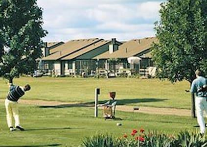 Clover Ridge Panora Iowa Condos - Wohnung