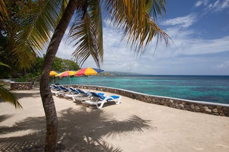 Golden Clouds (7 bedrooms) - Ocho Rios