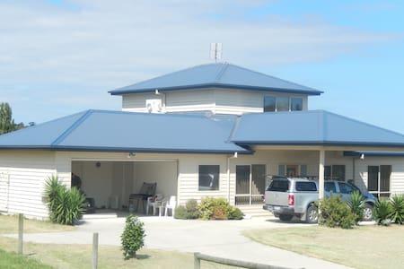 Tambo Riverside Retreat - Swan Reach - House