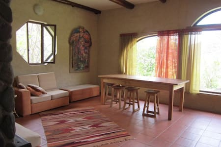Private Retreat near town - Vilcabamba - Hus