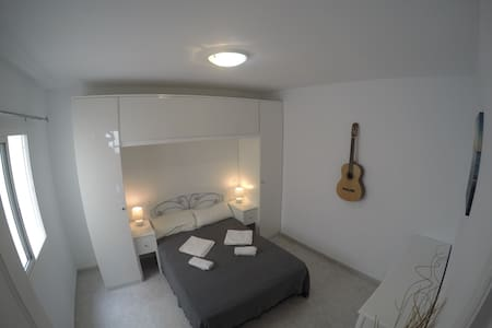 Central Corralejo apartment 100 metres from beach! - Wohnung