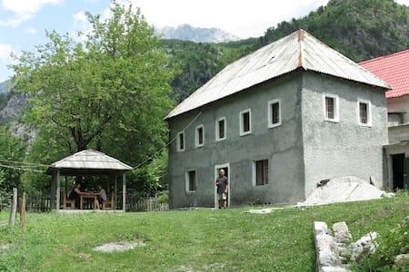 Guesthouse Leke Gerla - Guesthouse