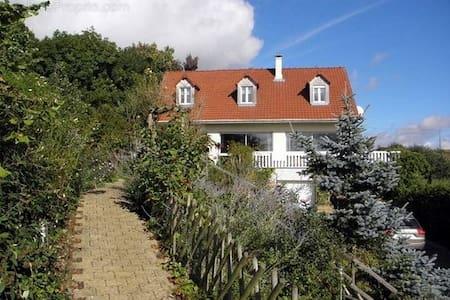 Le Grand Jardin De Gaïa - Halinghen - Gästhus
