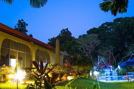 """Villa Anna Resort"" - Beruwala-Aluthgama - Beruwala - House"