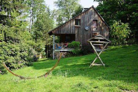 Modernes, romantisch gelegenes Holzhaus - Casa