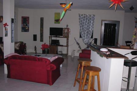 Auberge Freedoreno Safe Home 1 - Casa de hóspedes