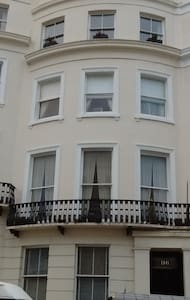 Beautiful central Hove flat close to seafront - Apartamento
