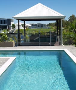 Pelican waters  House on the water - Pelican Waters - House