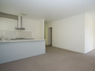 4km up city with ensuite - Apartment