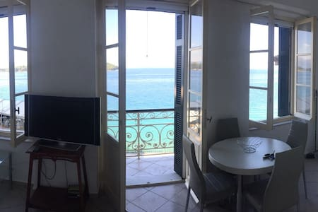 Sea view apartment in Corfu center - Lägenhet