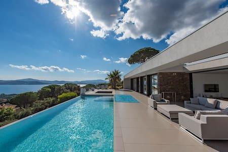 Villa Taha'a, Golfe de Saint Tropez - Grimaud - Dům