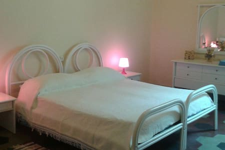 Big Bedroom with Terrace - Firenze - Apartment