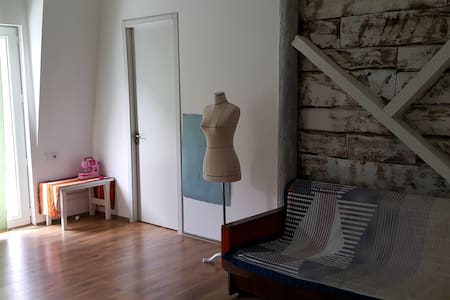 Sunny and bright apartment. Near metro station. - Tbilisi - Apartment