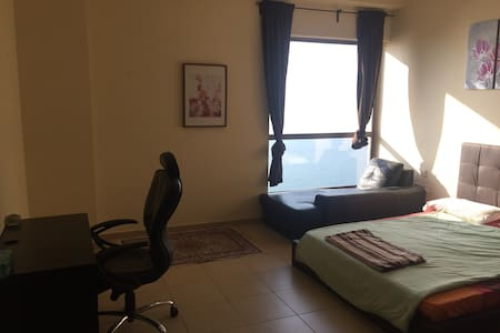 DOUBLE ROOM WITH GREAT VIEWS HEART OF JBR - Apartment