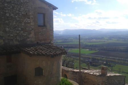 Borgo Lìzori 1 - Campello Sul Clitunno - House