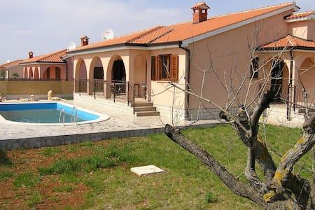 Villa Rosette K6 near Porec - Dračevac - House