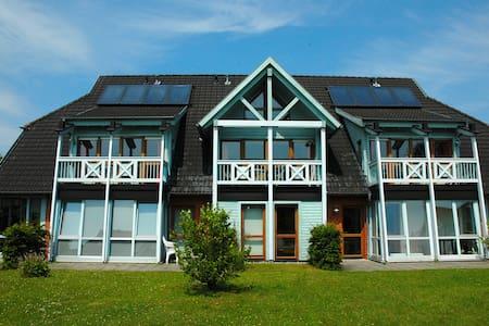 Haus am See****  Schwimmbad, Sauna, Räder inklusiv - Daire