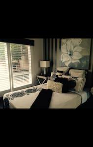 Self contained 1 bedroom unit - Merrimac - Apartment