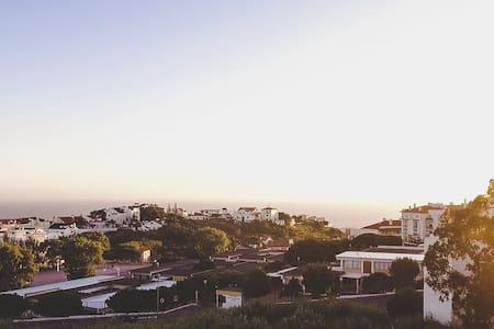 Ericeira, Quarto 3 km Ribeira d'ilhas - Apartamento