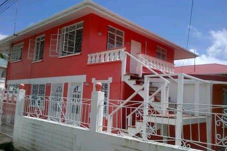 RayonHouse 74 Ireng Pl Bel Air Park