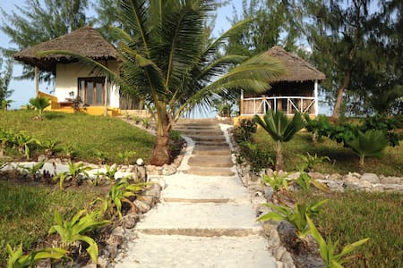 Double Deluxe Bungalow Hotel on the Rock - Paje - Bungalow