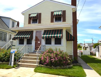 Spacious 4-bedroom home near downtown Stone Harbor - 一軒家