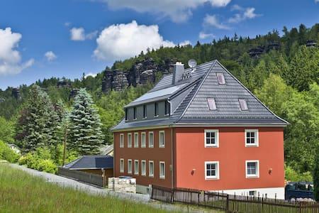 Felswelten | Erlebnis Sächsische Schweiz - Aamiaismajoitus