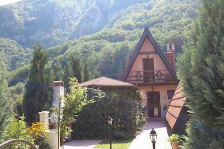 Perucac Tara Drina,Bungalows 12 per - Hus