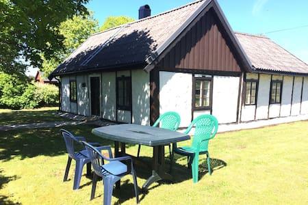 Mitt i gotländska landsbygden - Cabaña