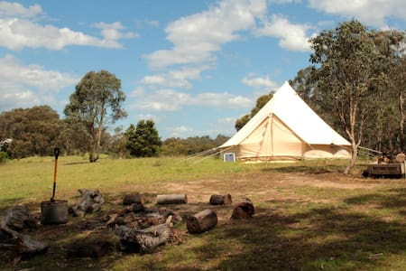 Hilltop Glamping - Camp in Luxury. - Cottles Bridge