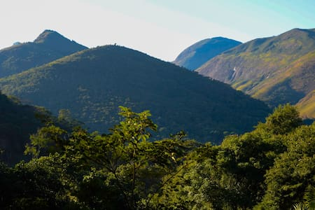 Charmoso e aconchegante Chalé no Vale das Videiras - Araras