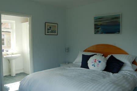 Aspens bnb. En-suite double room - Royal Tunbridge Wells