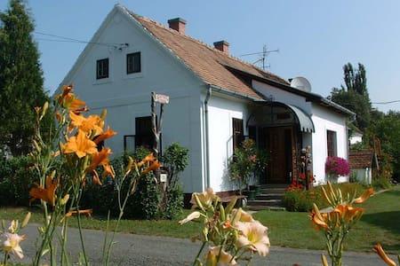Cserépmadár szállás Teljes önálló vendégház - Velemér - Gästehaus