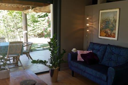 Maison confortable, Roussas, proche A7 - Dom