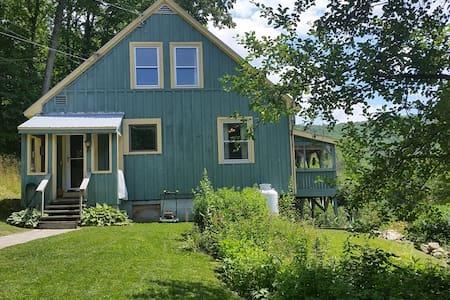 Comfortable ski cottage. - Bridgewater