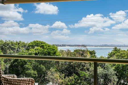 #7 James Cook Apartments - Clarkes Beach - Apartment