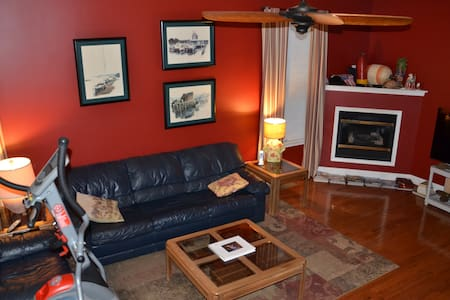 Superior Stay in Bridgeport PA (3 bedroom house) - Bridgeport - Sorház