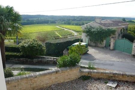 Maison au coeur des vignes proche de Saint-Emilion - Puisseguin
