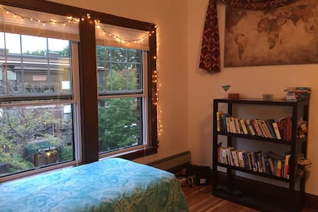 Adorable Historic Studio Apartment on Grand Ave. - Apartment