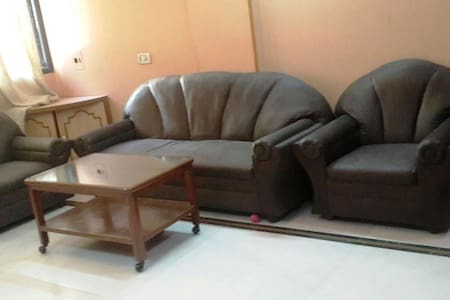 Cozy 2BHK - 5 mins from Airport