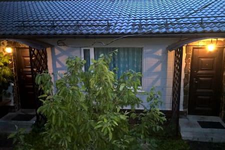 Таунхаус Орхидея - Lomonosov - Řadový dům