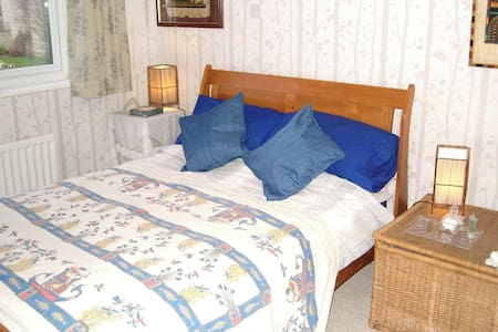 1 double(2nd double/one sngl also) - Woodmancote - Bed & Breakfast