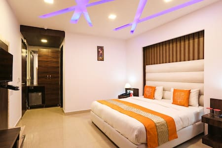 LUXURY  ROOMS IN ,  HOTEL IN  A PITAMPURA - Neu-Delhi - Bed & Breakfast