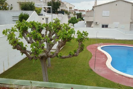 Nice Summer House 10 min from Beach - Torredembarra