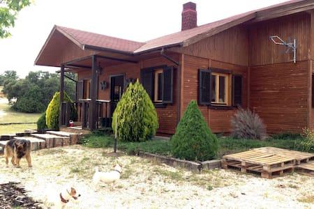 Casa de madera en plena naturaleza - San Agustín de Guadalix - Casa